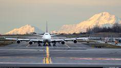 UPS Airlines Boeing 747-44AF/SCD N570UP taxiing down the runway at Anchorage-Ted Stevens International, October 2015. (Photo: Akira Uekawa)