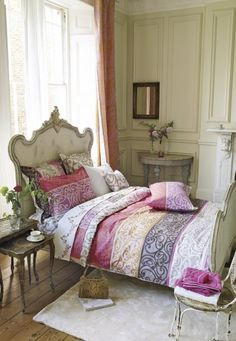 Designers Guild create inspirational home décor collections and interior furnishings including fabrics, wallpaper, upholstery, homeware & accessories. Bed Sets, Designers Guild, Queen Comforter Sets, Bedding Sets, French Decor, Beautiful Bedrooms, Dream Bedroom, Shabby Chic, Interior Design