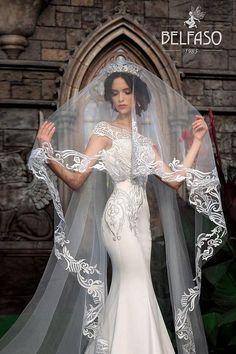 Rückseite Brautkleid mit Knöpfen Mermaid Brautkleid Spitze Zug