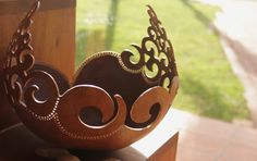 Art D'oeuf, Dremel Projects, Gourd Lamp, Egg Art, Coconut Shell, Coconuts, Cool Items, Lamp Design, Gourds