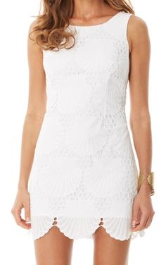 Lilly Pulitzer Delia Scalloped Hem Shift Dress- this is the one I wore for the fashion show! Grad Dresses, Casual Dresses, Summer Dresses, Shift Dresses, Preppy Mode, Preppy Style, Dress Lilly, Lilly Pulitzer White Dress, Lily Pulitzer