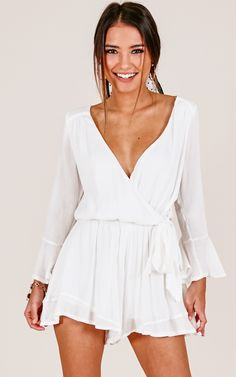 White Outfits Deep V Neck playsuit white wrap dress - flouncy dress - boho summer style - new years eve outfit ideas - boho outfits - summer style - boho style Boho Summer Outfits, Boho Fashion Summer, Boho Outfits, Classy Outfits, Casual Outfits, Fashion Outfits, Fashion Clothes, Beautiful Outfits, Fashion Ideas