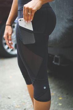 Dont we all wish that every pair of leggings/tights in our wardrobe had this crazy cool built in pocket, if only! Leggings - http://amzn.to/2id971l