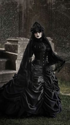 Victorian Gothic Fashion, Hot Goth Girls, Witches, Scary, Queens, Couture, Style, Swag, Bruges