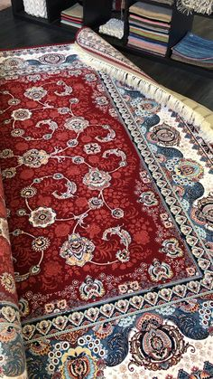 Main Colors, Colours, Still Life Images, Rug Texture, Classic Rugs, Traditional Area Rugs, Red Rugs, Shades Of Red, Fringes