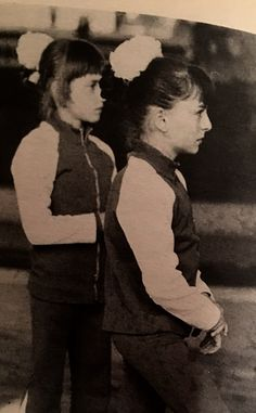 Nadia y Dorina Gymnastics Pictures, Sport Gymnastics, Olympic Gymnastics, Nadia Comaneci, Sports Stars, Sports Women, Picture Video, Olympics, Athlete