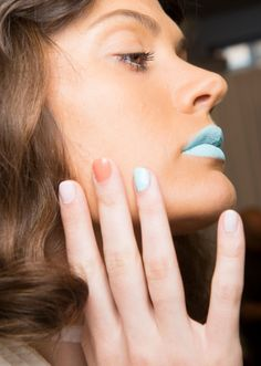 The 33 best nail inspiration pics from fashion month nail inspo best nail inspo from spring 2017 fashion month stylecaster sciox Images
