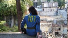 Vault 101 cosplayer from Fallout 3. I wonder if she is going to save Megaton or blow it up and move to Tenpenny Tower.