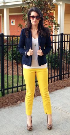 Take a look at the best what shoes to wear with yellow pants in the photos below and get ideas for your outfits! Yellow Jeans Outfit, Yellow Pants, Pants Outfit, Yellow Outfits, Gold Outfit, Fall Outfits, Cute Outfits, Fashion Outfits, Mustard Pants