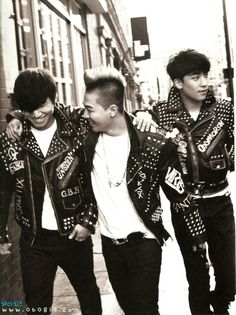Daesung Taeyang and Seungri (who looks like T.O.P) Extraordinary 20s My my..
