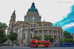 Must-see places in Budapest in an evening (Part 1) – Eat, Click, Travel and Repeat! Budapest, Barcelona Cathedral, Repeat, Places To See, Paths, Building, Travel, Viajes, Buildings