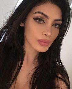 I will be uploading my what I eat in a day vegan video tomorrow! I was ver Sexy Makeup, Girls Makeup, Makeup Looks, Hair Makeup, Gina Lorena, Perfect Nose, Let Your Hair Down, Beautiful Lips, Brunette Beauty