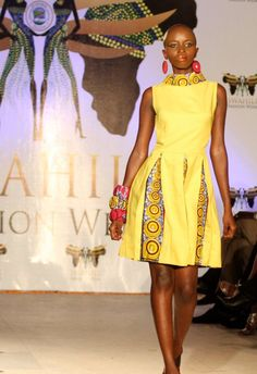 4 Factors to Consider when Shopping for African Fashion – Designer Fashion Tips African Print Dresses, African Print Fashion, Africa Fashion, Ethnic Fashion, African Dress, Fashion Prints, Fashion Design, African Prints, African Attire