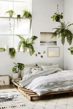 9 Alive Tips: Natural Home Decor Earth Tones Rugs natural home decor wood tree branches.Natural Home Decor Bedroom Plants natural home decor boho chic living spaces.Natural Home Decor Boho Chic Living Spaces. Dream Bedroom, Home Decor Bedroom, Bedroom Inspo, Bedroom Plants, Summer Bedroom, Bedroom Neutral, Design Bedroom, Budget Bedroom, Bedroom Bed