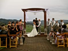 Sweet Cheeks Winery Wedding.  Stepping Stone Wedding Rentals & Events, Eugene, Oregon. http://steppingstoneweddingrentalsandevents.com/