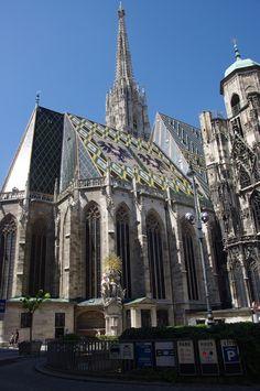 Stephen's Cathedral, Vienna, Austria Cathedral Architecture, Sacred Architecture, Beautiful Architecture, Architecture Design, Klagenfurt, Salzburg, New Year Concert, Real Castles, Hallstatt