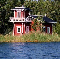 Vaasa, Finland by Juhamatti Lähdesmäki Red Houses, Little Houses, Colorful Houses, Swedish Cottage, Cute Cottage, Backyard Buildings, Small Buildings, Sweden House, House Blueprints