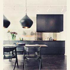 "Image source: Masculine kitchen design ~ ""Living well while doing interior decorators de casas ideas house design Black Kitchen Cabinets, Black Kitchens, Home Kitchens, Kitchen Black, Charcoal Kitchen, Kitchen Cabinetry, Interior Exterior, Kitchen Interior, Gold Interior"