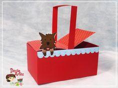 Mini cestinha com tampa e dog Totó, feita com material de scrapbook, personalizado com o tema. <br>Esse preço é o valor unitário. <br>Altura: 5.00 cm (sem as alças) - com 12cm <br>Largura: 7.00 cm <br>Comprimento:11.00 cm