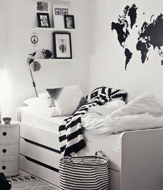 Slaapkamer met hemelbed in zwart/wit/naturel. | for my dream home ...