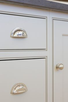 Grey kitchen cabinetry and polished nickel handles at the The Old Forge House, Hertfordshire Kitchen Knobs, Kitchen Cabinet Handles, Shaker Kitchen, Kitchen Hardware, New Kitchen Cabinets, Painting Kitchen Cabinets, Kitchen Paint, Door Handles, Red Cabinets