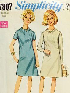 Simplicity 7807 Vintage Dress Pattern by HMoonVintage on Etsy #vintage #sewing #pattern #crafts #dress #1950s #1960s