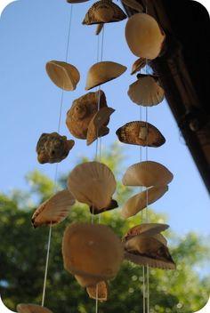 Windspiel aus Muscheln anleitung selber sommerdeko