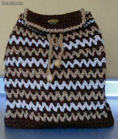 Bolsos con forro y cierre tejidos a Crochet en hilo sintetico.
