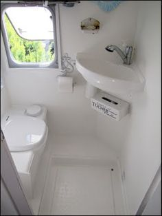 Small Rv Bathroom & Toilet Remodel Ideas 34 image is part of 80 Wonderful Small RV Bathroom and Toilet Remodel Ideas gallery, you can read and see another amazing image 80 Wonderful Small RV Bathroom and Toilet Remodel Ideas on website Tiny Camper, Small Campers, Rv Campers, Camper Van, Kombi Trailer, Kombi Motorhome, Camper Trailers, Travel Trailers, Boat Trailer