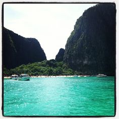 """See 2249 photos and 179 tips from 9243 visitors to อ่าวมาหยา (Maya Bay). """"Simply paradise on earth, as in the movie which was shot here. Maya Bay, Paradise On Earth, Krabi, Phuket, Vietnam, 1, River, Places, Trips"""