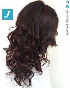 #Repost @centro_degrade_joelle with @repostapp ・・・ Dark chocolate Shades _ Degradé Joelle  #cdj #degradejoelle #tagliopuntearia #degrade #igers #musthave #hair #hairstyle #haircolour #longhair #oodt #hairfashion #madeinitaly #workhairstudiovittorio&tiziana #roma #eur