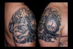 tatuaje hombro rosas reloj sombras www.13depicas.com