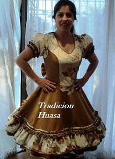 Fotos de vestidos de huasa Clogs Outfit, Fashion Outfits, Petticoats, How To Wear, Dresses, Style, Briefs, Costumes, Women's