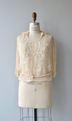 Your place to buy and sell all things handmade - - OFF SALE Better Nature blouse vintage blouse Source by marensr Retro Outfits, Vintage Outfits, Cool Outfits, 1920s Fashion Women, Vintage Fashion, Fashion History, Fashion Tips, Fashion Hacks, Discount Womens Clothing