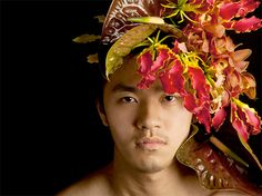 Floral headpiece on male model by Takaya Hanayuishi Beautiful Men, Beautiful People, Night Elf, Floral Headpiece, Grey Tattoo, Floral Fashion, Green Fashion, Funky Hairstyles, Flowers In Hair