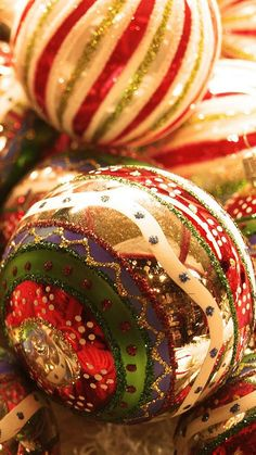 Christmas stuff Wallpaper Christmas Holidays Wallpapers) – Wallpapers For Desktop Elegant Christmas, Noel Christmas, Christmas Is Coming, Christmas Baubles, Little Christmas, Beautiful Christmas, Winter Christmas, All Things Christmas, Vintage Christmas