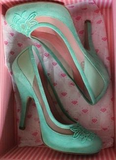 46fe77270a9567 Pin by Alexandra Welke on Shoes Obsession