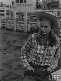 A classic rodeo look from 1948.#vintage #Western #cowgirl #fashion #rodeo