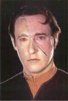 Star Trek First Contact Lt. Commander Data Postcard 6X4