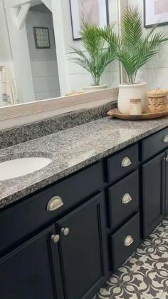 Kitchen Decor, Kitchen Design, Farmhouse Decor Bathroom, Upstairs Bathrooms, Master Bathroom, Small Bathroom, Painting Kitchen Cabinets, Grey Bathroom Cabinets, Grey Bathroom Vanity