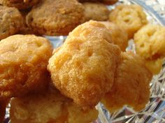 These corn fritters are a great southern staple. While they may not be a treat you want to serve everyday, they are an incredible comfort food. I had a craving for them this week and decided to s… Corn Fritter Recipes, Corn Recipes, Side Dish Recipes, Vegetable Recipes, Bread Recipes, Yummy Recipes, Sweet Corn Fritters, Recipe For Corn Fritters, Sweets