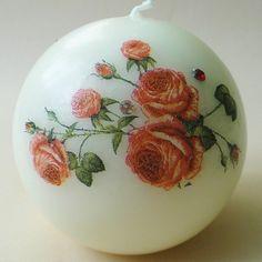 Świeca z różyczkami