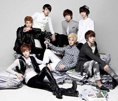 A whole lot of happy Kissmes out there today as U-KISS' dating ban has officially been lifted.