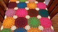 Renkli Yuvarlak Masa Örtüsü Örnekleri Blanket, Rugs, Crochet, Home Decor, Crochet Edgings, Farmhouse Rugs, Decoration Home, Room Decor, Chrochet