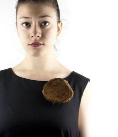 itsuko Ogura- Brooch - Unique piece - Cardboard, silver - 660€ Dimensions: height 9.5 cm / width 10 cm / depth 3.5 cm