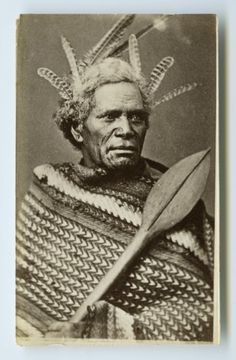 Carte de visite portrait of Maori man taken ca by American Photographic Company of Auckland. Polynesian People, Maori People, Maori Designs, Rivage, American Photo, Pattern And Decoration, First Nations, Portrait Art, New Zealand