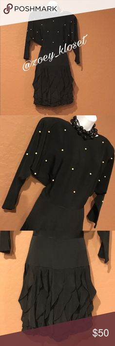 🆕Betsy Adam Black Ruffle Layer Dress Gorgeous Attention Getter, Never Worn, Removable Shoulder Pads, Cream Beads, Ruffle Layer Hem, Long Sleeve, Accessories not included. Dresses