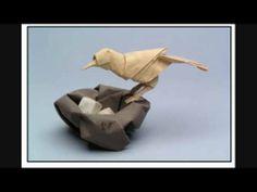 Origmai Museum so says Linda Anderson 2014 Amazing Origami Origami Egg, Origami Fish, Origami Paper Art, Oragami, Folded Paper Flowers, Paper Birds, Paper Animals, Origami Animals, Origami Shapes