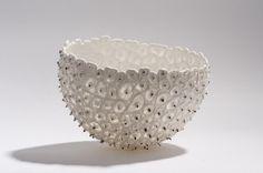 ananas   Guy Van Leemput, woodfired porcelain 2015 dia 18 x 13 cm photo Dirk Theys