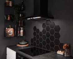 Kitchen Room Design, Home Room Design, Kitchen Interior, House Design, Hexagon Tiles, Cuisines Design, Black Kitchens, Küchen Design, Cozy House